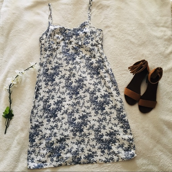 GAP Dresses & Skirts - GAP Floral Linen Sundress